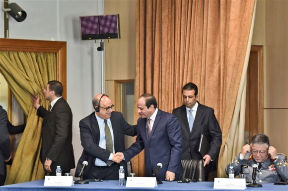 Egypt's ElSisi in Portugal with Portuguese minister of defense