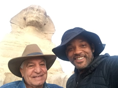 Will Smith with Egyptologist Dr. Zahi Hawass at the Giza Plateau, Egypt 2017 (Al-Ahram)