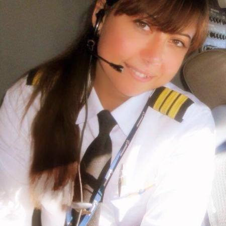 Magda Malek, Egyptian woman-pilot of the Boeing B777-300, the biggest airplane of EgyptAir (Source: Scoop Empire)