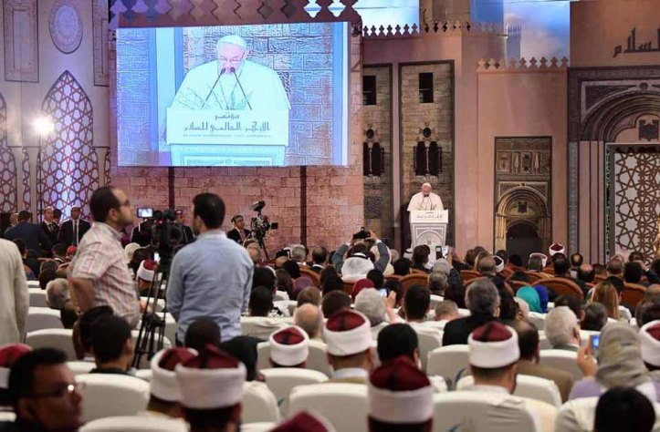 Pope Francis and Grand Imam Ahmed El-Tayeb in Cairo at Al-Azhar University International Conference of Peace (source: Al-Ahram)
