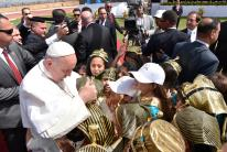 Pope Francis Mass in Cairo Stadium Egypt 2017, here seen being welcomed by the children of the Pharaohs (Source: Youm7)