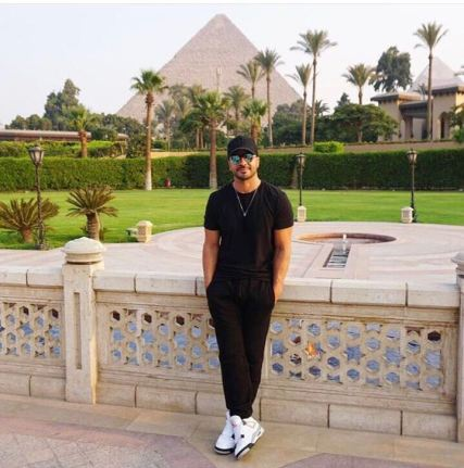 2017-08-12 Luis Fonsi Despacito in Cairo with the Giza Great Pyramids of Egypt 3ain