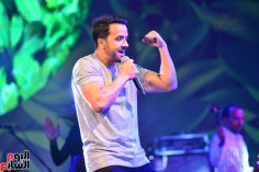 2017-08-12 Luis Fonsi Despacito performing at the Summer Tropical Party of the Mediterranean in Egypt Youm7 01