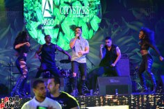 2017-08-12 Luis Fonsi Despacito performing at the Summer Tropical Party of the Mediterranean in Egypt Youm7 02