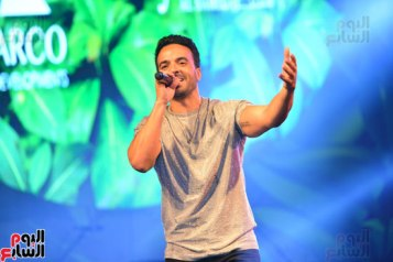 2017-08-12 Luis Fonsi Despacito performing at the Summer Tropical Party of the Mediterranean in Egypt Youm7 05