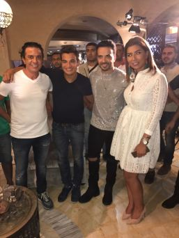 2017-08-12 Luis Fonsi Despacito with his Egyptian Fans of the Pharaohs 3ain