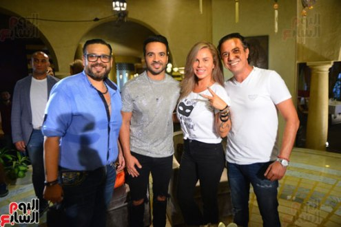 2017-08-12 Luis Fonsi Despacito with singer Nicole Saba at the Mediterranean coast of Egypt Youm7