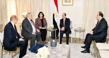 2017-10-25 Egypt President El-Sisi with French companies CEO in Paris Al-Ahram 2017-636444756165707010-570