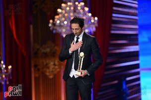 2017-12-02 Adrian Brody award - Cairo International Film Festival CIFF Egypt 2017 - Youm7 02