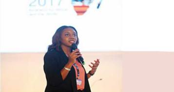 2017-12-10 A young African entrepreneur during Africa 2017 summit in Egypt Al-Ahram 01