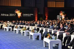 2017-12-10 President of Egypt and African leaders during Africa 2017 summit in Sharm El Sheikh Youm7 07