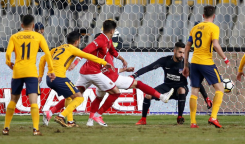 2017-12-31 Al-Ahly scores against Atletico Madrid friendly match for peace at Alexandria 2017 - Reuters