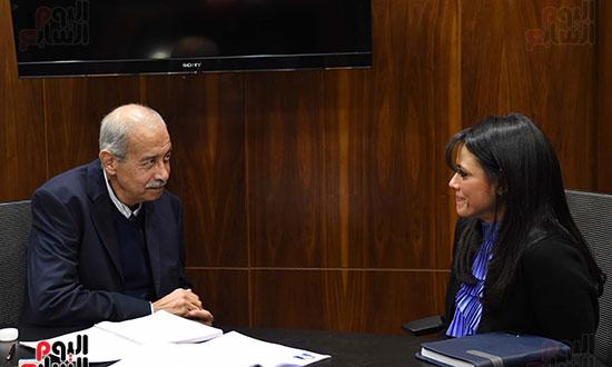 2018-01-14 Egyptian Prime Minister Sherif Ismail with new minister of Tourism Rania Elmashat Youm7