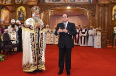 2018-01-21 Egypt President Elsisi with Pope Tawaros II at Nativity of Christ Coptic Orthodox Church in Cairo AlAhram