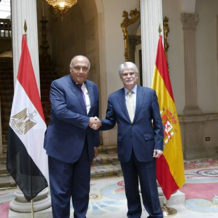 2018-02-18 Egyptian FM Sameh Shoukri with his Spanish counterpart Alfonso Dastis in Madrid Youm7