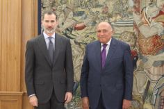 2018-02-18 Spains King Felipe VI with Egypt's FM Egypt Today 01