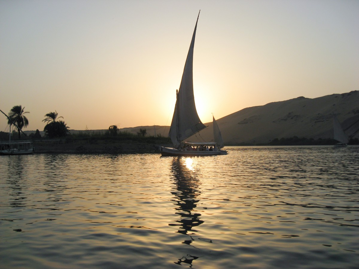 2018-04-06 Nile boat trip sunset in Luxor Egypt