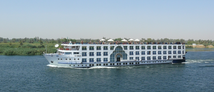 2018-04-06 Nile_cruise_ship Luxor Egypt Emilio_2