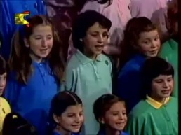 2018-04-19 Vola Vola Palombella Italian Arabic Song from the 1990s on Egyptian TV 01