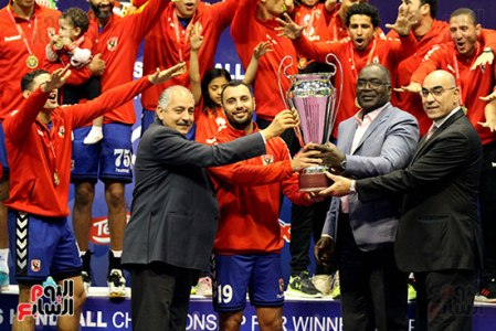 2018-04-23 Egypt Al-Ahly win Africa Handball Cup 2018 - Celebrations 01 Uoum7