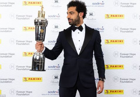 2018-04-23 Mo Salah with PFA Best Player 2018 English Cup 03 - DailyMail