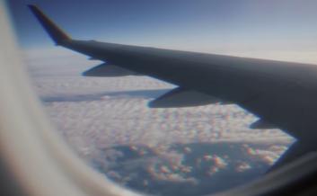2018-04-28 Esseily - Fe Hetta Tanya - On-board EgyptAir - Youtube
