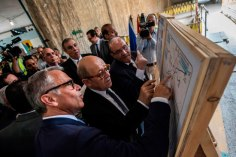 2018-04-30 French Minister FA Le Drian and Egyptian Officials Cairo Metro Tour 01 - Youm7
