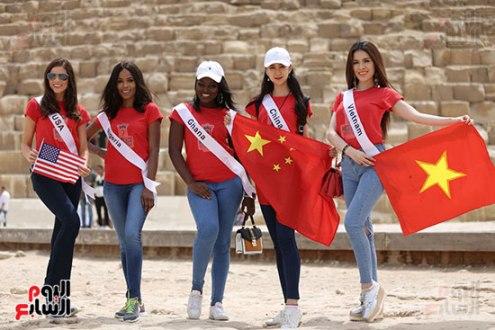2018-05-04 World Ambassadors for Tourism and Environment at Giza Pyramids Egypt 02 - Youm7