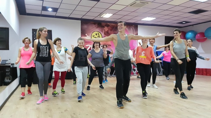 2018-07-15 Boshret Kheir song from Egypt during Zumba dance class in Romainia 04 YouTube