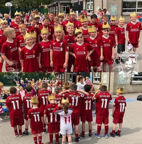 2018-08-06 Salah fans at school