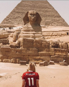 2018-08-06 Salah Supporter in Egypt at the Pyramids