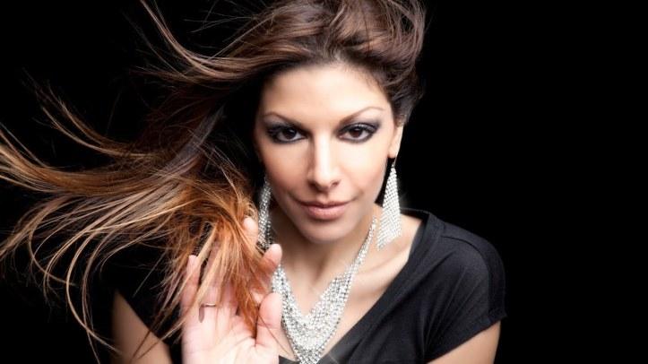 2019-01-05 nadina lebanese singer 01