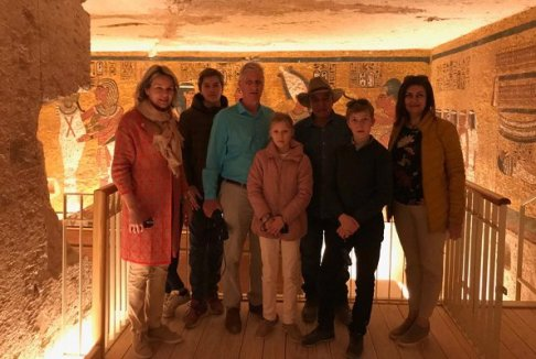 2019-01-14 belgium royal family in luxor tombs during 2019 new year holiday 01