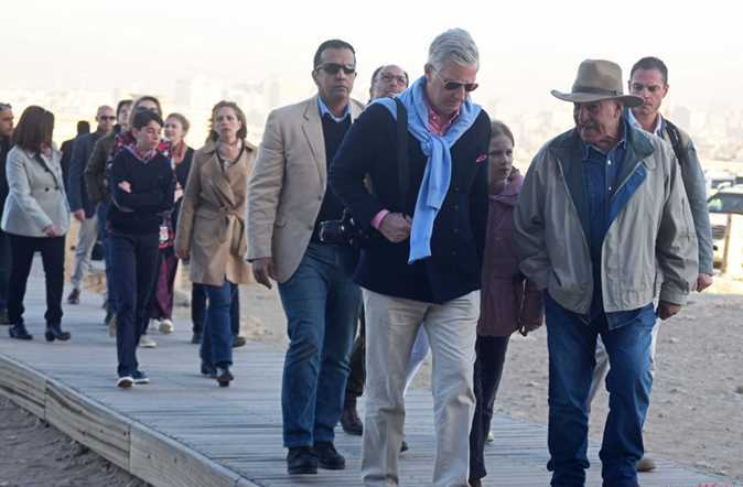 2019-01-14 king philippe with dr zahi hawass in luxor 01