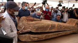2020-11-24-Egypt-sarchophagi-Open-Coffins-of-Mummies-Saqqara-NBC-News
