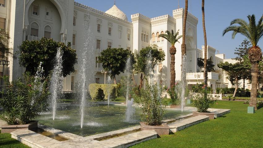 2020-12-30 Egyptian Palace Cairo Al-Ittihadiya Heliopolis outside 02