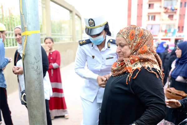 2021-08-29 Egypt help elderly at the polling stations Parliament Elections 2020 Youm7 01