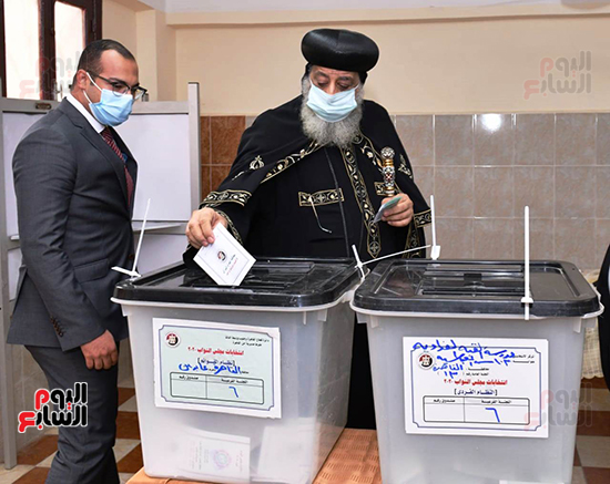 2021-08-29 Egypt Orthodox Pope of Alexandria casting his vote in Parliament Elections 01