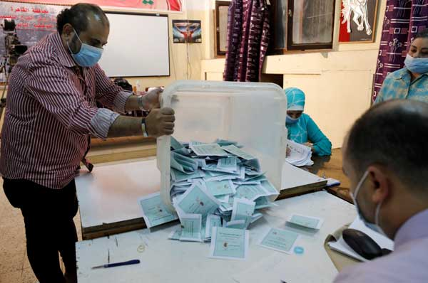 2021-08-29 Egypt Parliament Elections 2020 counting ballots Youm7 01