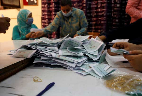 2021-08-29 Egypt Parliament Elections 2020 counting ballots Youm7 02