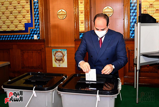 2021-08-29 Egypt President Elsisi Casting his vote in Parliament Elections 2020 01
